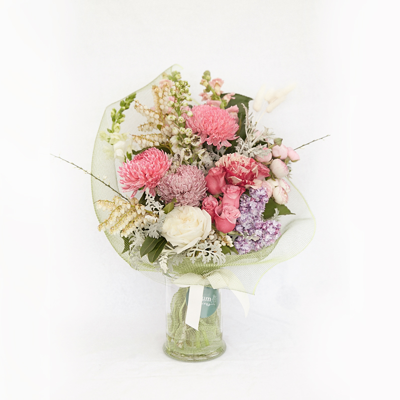 Deluxe bouquet of flowers