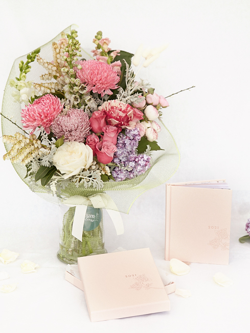 flowers and gifts in South east Melbourne