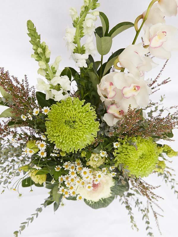 Sympathy flowers heartfelt